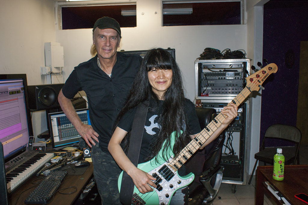 Billy Sheehan – Bass