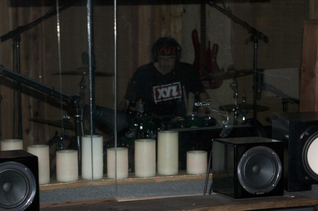 Sean Elg – Drums